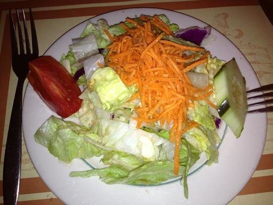 Captain's Tavern: Great side salad