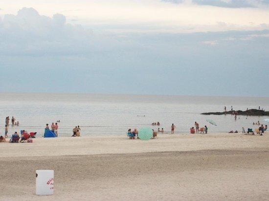 Playa Ferrando:                   la playa