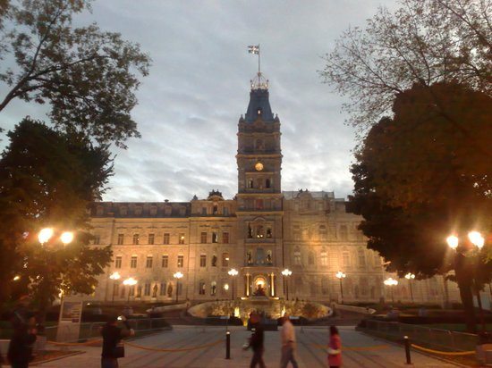Japanese Guided Quebec City Sightseeing Tours on Foot - Quebec Guide Service : Viejo Quebec