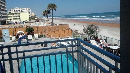 Lotus Boutique Inn & Suites Daytona Beach / Ormond Beach :                   view from balcony