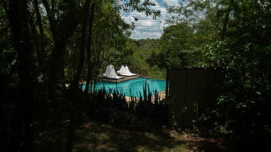 Raices Esturion Hotel:                   Linda foto, el agua no estaba limpia