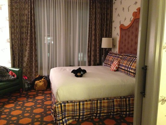 Kimpton Hotel Monaco Portland:                   Very large bedroom in King Premier Suite