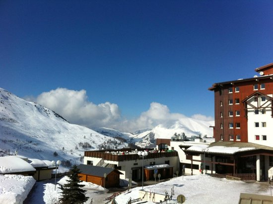 Club med les 2 alpes picture of club med les deux alpes for Hotels 2 alpes