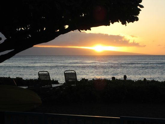 Sands of Kahana: Another pretty sunset