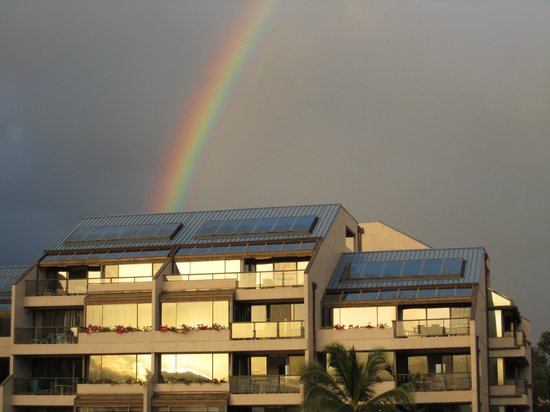 Sands of Kahana: Occasional showers produced lots of rainbows