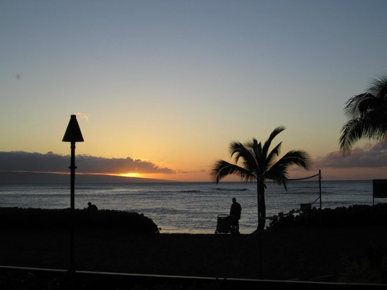 Sands of Kahana: Sunsets are always pretty at the SOK