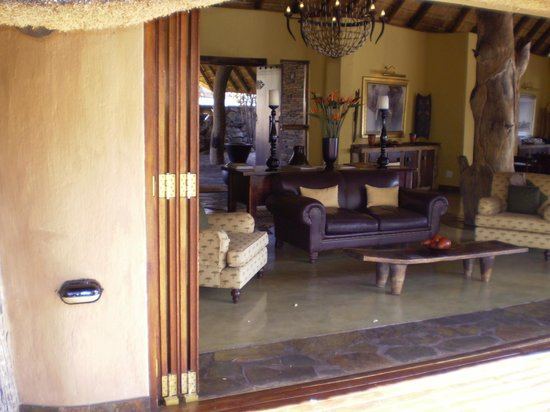 Tuningi Safari Lodge:                   Main Room