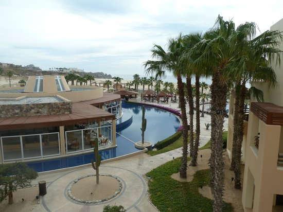 Pueblo Bonito Pacifica Golf & Spa Resort:                   This photo looks out to the main restaurant, which is surrounded by one of the