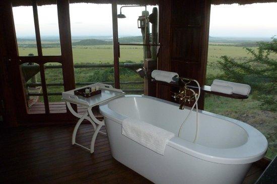 Soroi Serengeti Lodge:                   En rentrant du safari, un bon bain vous tente