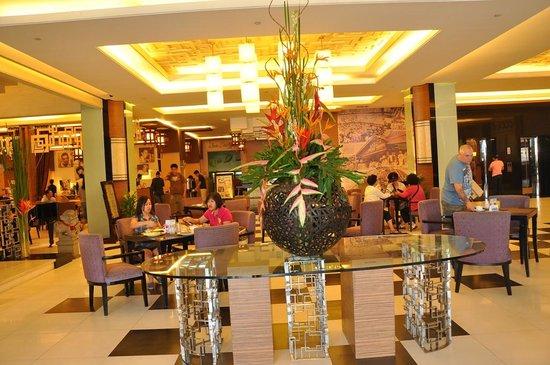Manila Grand Opera Hotel:                   Interior