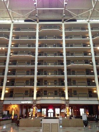 Renaissance Austin Hotel: Atrium