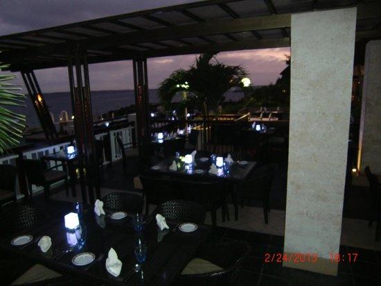 Cowrie Cove at Shangri-La's Mactan Resort & Spa: the restaurant