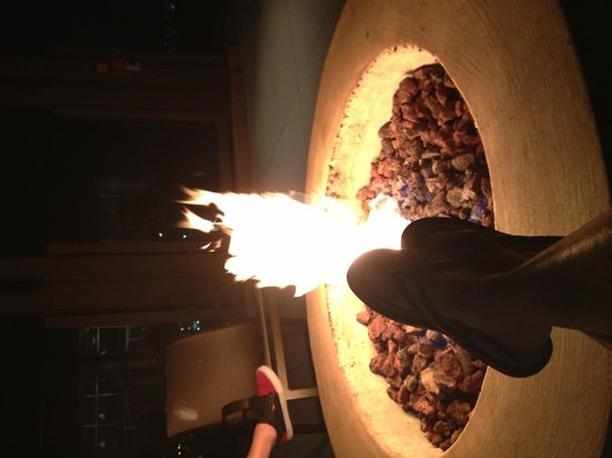 Grand Pacific Palisades Resort and Hotel: Evening visit to the firepit