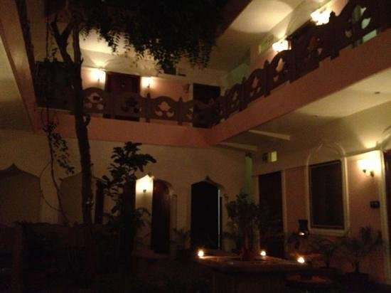 Suryauday Haveli - An Amritara Resort:                   classical Indian Music in the Courtyard at Dinner