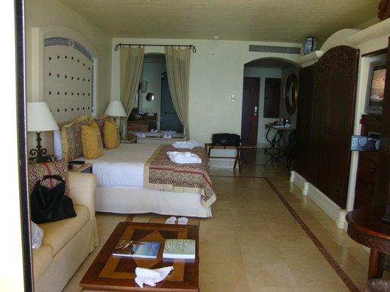 Marquis Los Cabos:                   Junior suite oceanfront