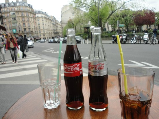 Hotel Monte Carlo: A Coke and a smile...