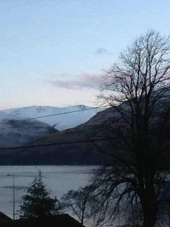 Laurel Bank Lodge :                   Breathtaking view on a winter morning