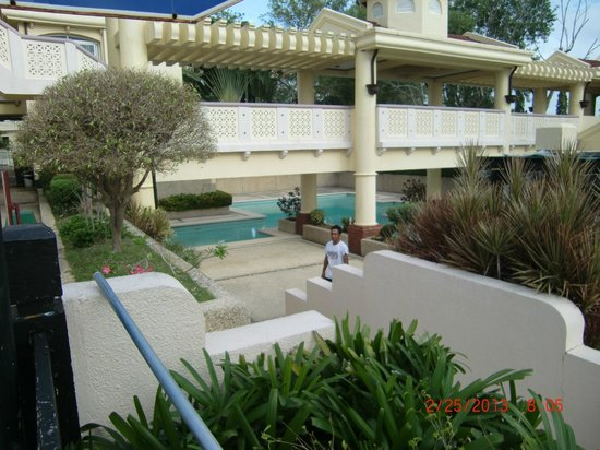 Vista Mar Beach Resort & Country Club :                   pool 3
