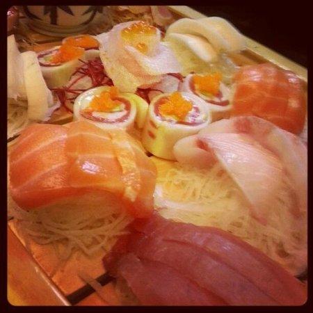 Joto Thai-Sushi:                   Variety of Sashimi