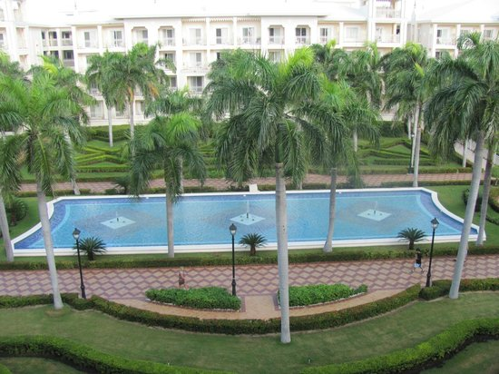 Hotel Riu Palace Punta Cana:                   View from our balcony