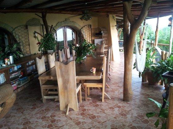 Villa Mango:                   Terrase extérieur et salle à diner