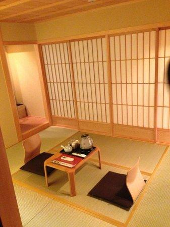 Kyomachiya Ryokan Sakura Honganji:                   Good Room, very relaxing