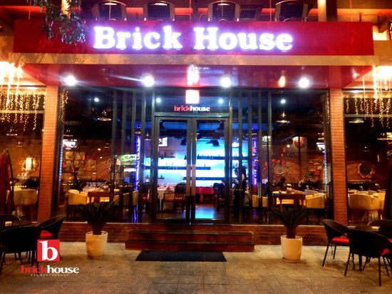 Front layout picture of brickhouse bar restaurant