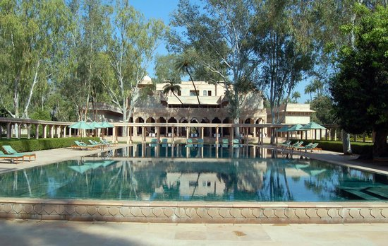 Amanbagh: Green marble infinity pool
