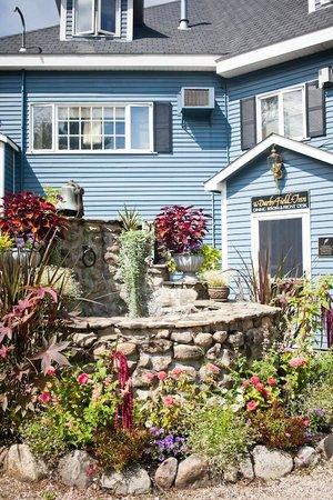 Darby Field Inn:                   Darby Entrance