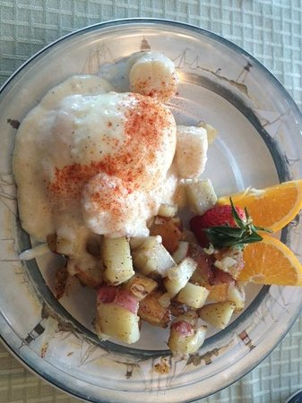 The Lightkeeper's Inn Bed & Breakfast:                   Yummy Seafood Benedict Breakfast