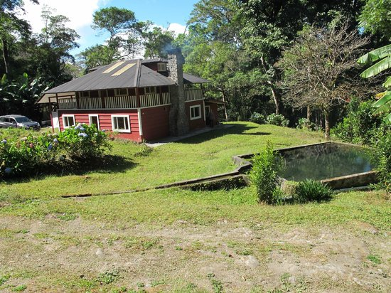 Finca Hartmann : View of the big cabin from the little cabin