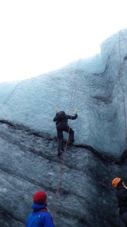 Eskimos Iceland:                   Ice climbing on the 'Blue Ice' Tour