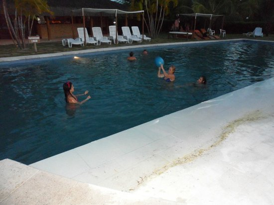 Resort La Torre:                   PILETA 2