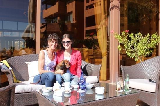 Kempinski Hotel Bahia:                   even relaxen in het zonnetje met een drankje