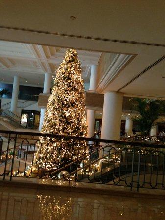Grand Hyatt Jakarta:                   Lobby