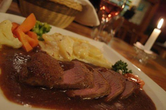 Hotel Drei Konige:                   ラム肉の料理