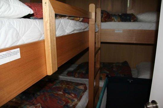 BIG4 Iluka on Freycinet:                   2nd Bedroom