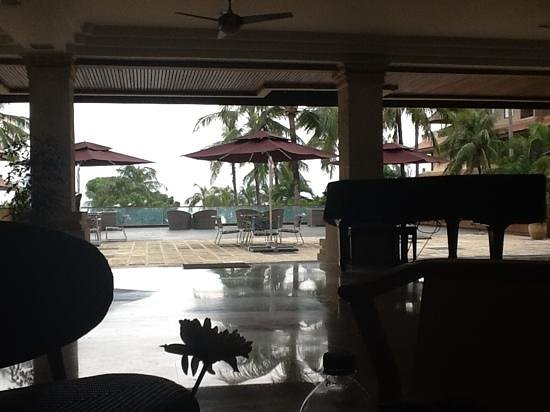 Grand Aston Bali Beach Resort:                   view from the wifi enabled lobby