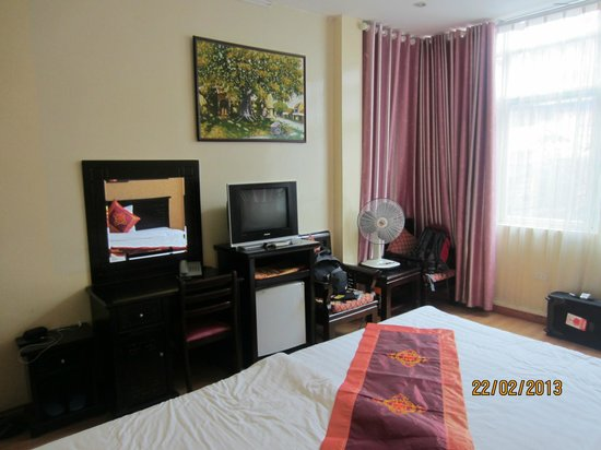 Little Hanoi Hostel:                   Deluxe Room