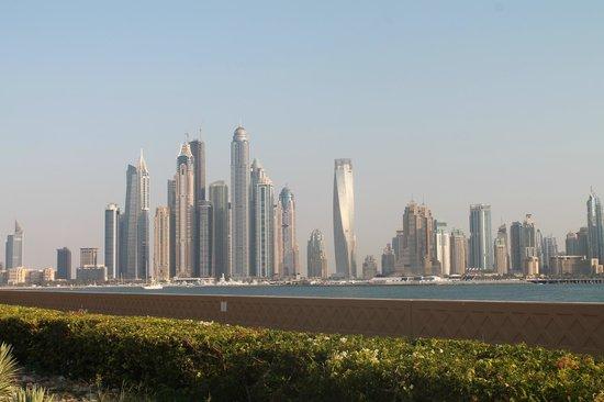 "Atlantis, The Palm:                   Арабский ""Манхэттен"""