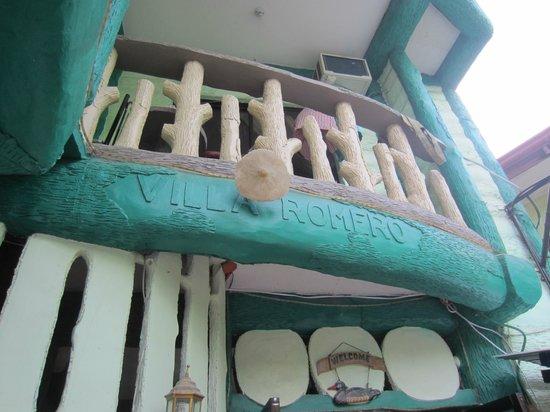 Villa Romero de Boracay:                   hotel balcony