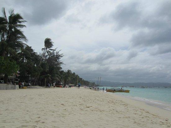 Villa Romero de Boracay:                   boracay beach