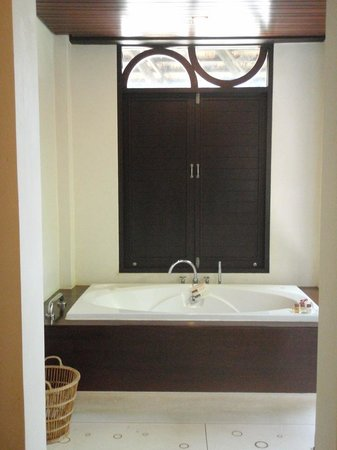 The Vijitt Resort Phuket:                   Pic of the bath (ginormous by the way) with the window shut