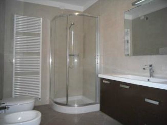 Bed and Breakfast Luca e Paola: Bagno inferiore
