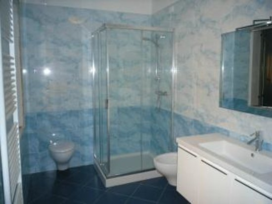 Bed and Breakfast Luca e Paola: Bagno superiore