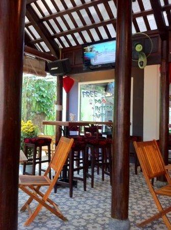 Le's Garden Bar :                   nice