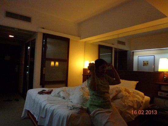 Marvel Hotel Bangkok:                   hotel room