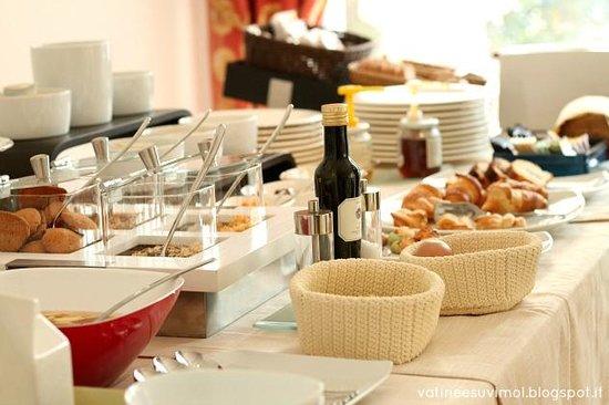 Hotel Due Mori:                                                                         colazione