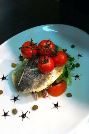 La Cocina: Seabass & white balsamic cherry tomatoes