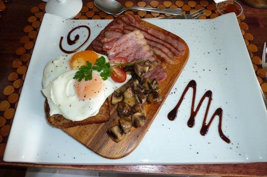 Manor 38:                   Warmes Frühstück